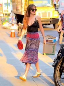 Dakota-Johnson-leaving-her-hotel-in-NYC-7%2F16%2F18--i6qjrmxk5w.jpg