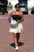 Nia Long playing ball in a parking lot in Malibu 07/16/201875806397_75768228_nia-long_16072018p_23