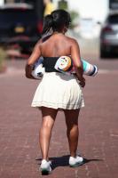 Nia Long playing ball in a parking lot in Malibu 07/16/201875807094_75768284_nia-long_16072018p_47