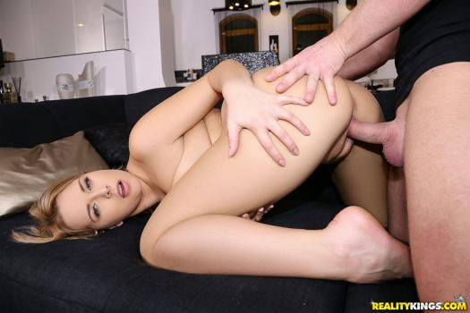 mikesapartment-18-07-18-nikky-dream-sweating-the-rent.jpg