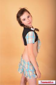 76425918_teenmodel-cc___amira-16.jpg