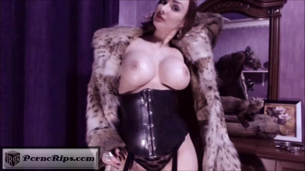 princess18_strap_on_queen_in_furs_00_00_23_00000.jpg