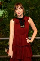 dakota-johnson-gucci-ss16-fashion-show-in-milan-92315.jpg