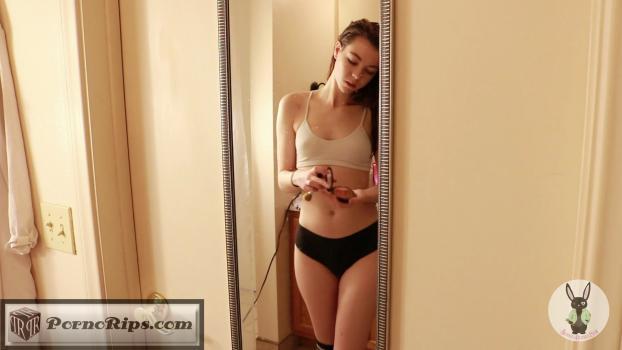 hd_erotic_schoolgirl_mirror_fuck_00_04_49_00010.jpg