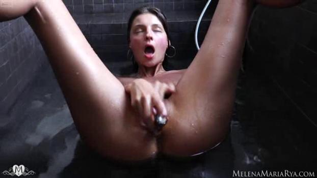 melenamariarya-18-07-24-bathtub-orgasm.png