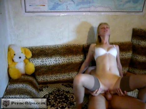 skinny_blonde_wife_hardcore_home_video_00_03_30_00010.jpg