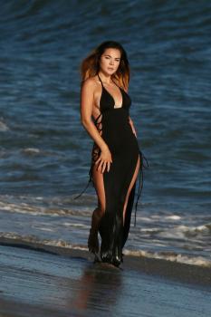 Kaili Thorne on the set of a 138 Water photoshoot in Malibu 7/30/18p6qrka43jy.jpg