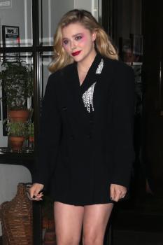 Chloë Grace Moretz at Maialino in NYC 7/30/18-26qrjw0ydy.jpg