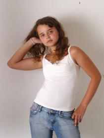 77378947_teen-portraits-net__set01-010.jpg