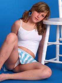 77379072_teen-portraits-net__set15-021.jpg