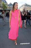 mandy-moore-pink-fashion-jul-09.jpg
