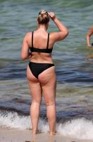 Iskra Lawrence in a Bikini Out With Friends On Miami Beach 07/12/201875420947_tigu_picturepub_006